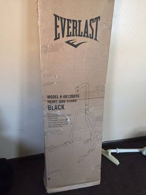 Everlast heavy bag stand for Sale in Cleveland, OH