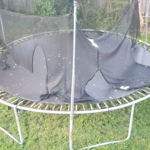 Free Trampoline for Sale in Bridgeport, CT