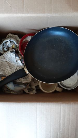 Assorted box of kitchen goods for Sale in San Dimas, CA