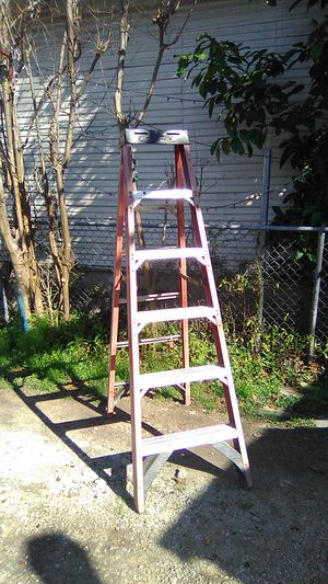 Werner fiber glass ladder for Sale in San Antonio, TX