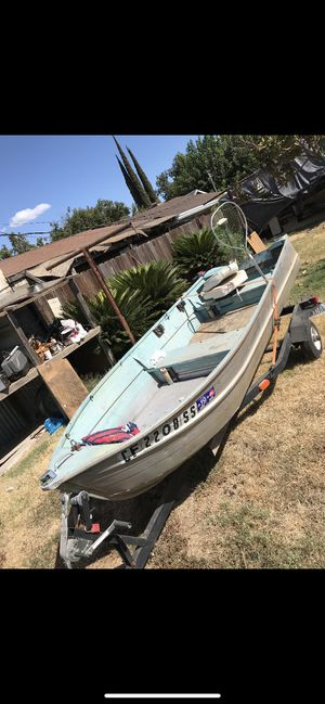 12 ft aluminum boat for Sale in Modesto, CA