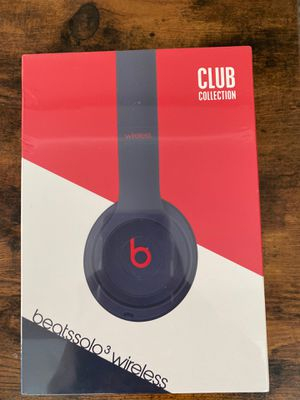 Brand new Beats Solo 3 (still in plastic) for Sale in Philadelphia, PA