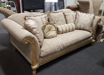 Beautifully Elegant Schnadig Sofa - Delivery Available for Sale in Tacoma,  WA