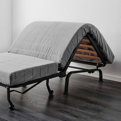 Folding Pull Out Bed / Sofa Couch for Sale in Chicago,  IL