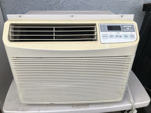 Sharp AC 8000BTU for Sale in Moreno Valley, CA
