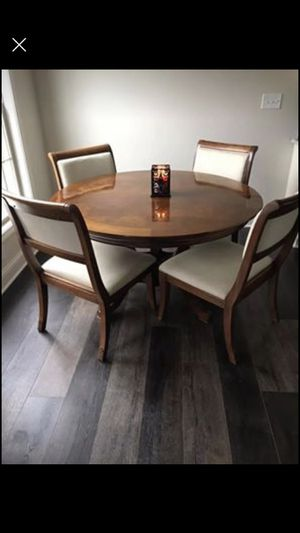 Dining table for Sale in Nicholasville, KY