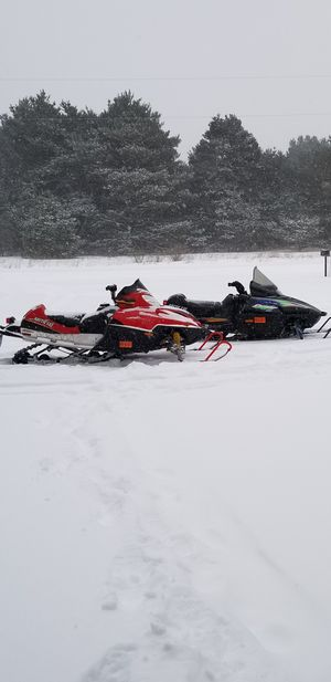 Snowmobile package for sale or trade!05 artic cat f6/98 caugar dlx 05 ledgend trailer for Sale in Vassar, MI