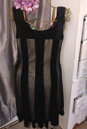 misses GORGEOUS SHORT DESIGNER Velvet AND SHEER BLACK STRETCH party eve Dress size 12 pristine for Sale in Northfield, OH