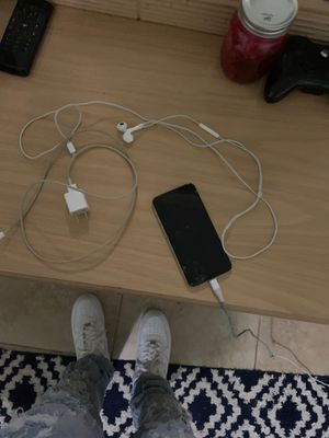 iPhone XS, Apple Charger and Headphones for Sale in Plantation, FL