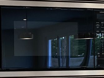 Wolf Built In Microwave With Trim Kit for Sale in Irvine,  CA