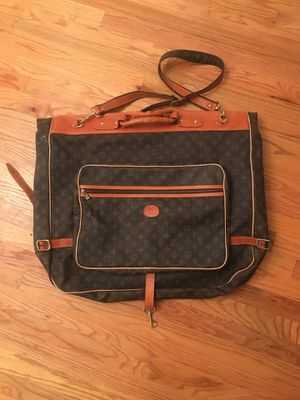 Vintage Louis Vuitton Garment Bag (Great Condition) W/ All Strap & Hook Attached for Sale in Marietta, GA