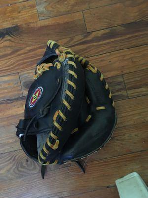 Easton baseball glove for Sale in Tampa, FL