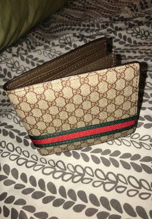 Gucci Wallet for Sale in IND HEAD PARK, IL
