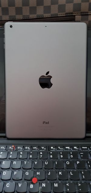 IPad Air ICloud Unlocked Like New for Sale in Aspen Hill, MD