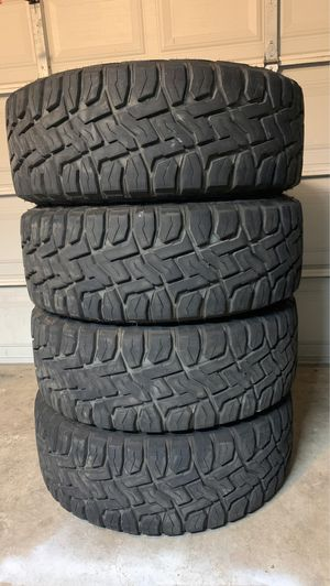 Toyo open country R/T 38x13.50R22 LT , still has a lot of tread left asking $1,200 for Sale in Saginaw, TX