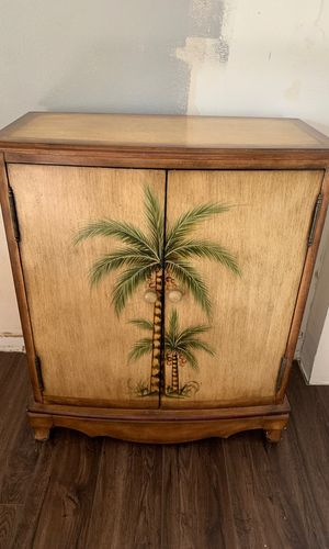 Palm tree cabinet for Sale in Saint Petersburg, FL