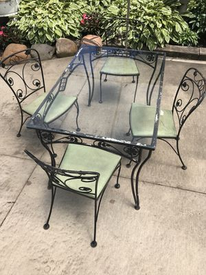 Vintage Iron Table & Chairs for Sale in Cleveland, OH
