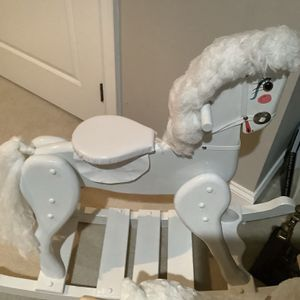 Great Kid Gifts Rocking Horse High End Stuffed Animas Bear Sells For 150 On Line Priced Sep for Sale in West Chester, PA