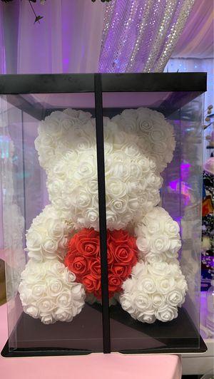 Big flower's teddy bear 🧸 🌹 for Sale in Oakland Park, FL