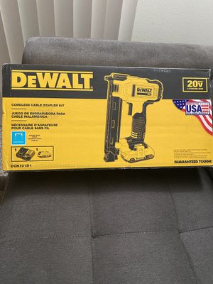 DEWALT 20v MAX XR Cable Stapler with 2.0 Ah Battery, Charger and Bag Kit New for Sale in San Diego, CA