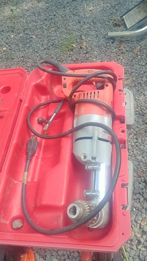 Milwaukee right angle drill with case for Sale in Nokesville, VA