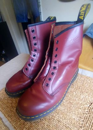 Classic Dr Martens air cushion leather boots for Sale in Inglewood, CA