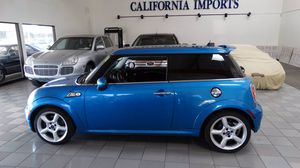 2009 MINI Cooper Hardtop for Sale in Huntington Beach, CA