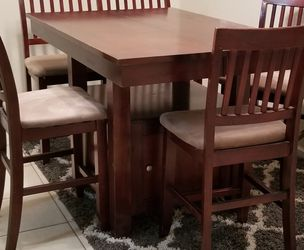Counter Height Dining Room Table for Sale in Orlando,  FL