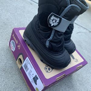 Toddlers Unisex Snow boots Size 7 for Sale in South Pasadena, CA