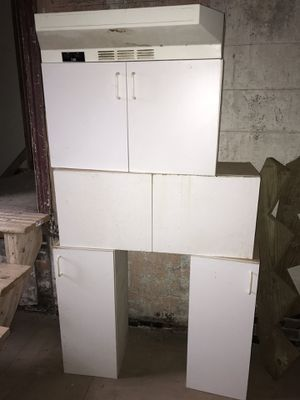 Used cabinets and exhaust removed in good condition for Sale in Philadelphia, PA