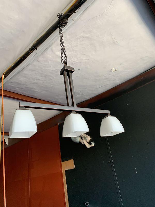 Chandelier (3 bulb)