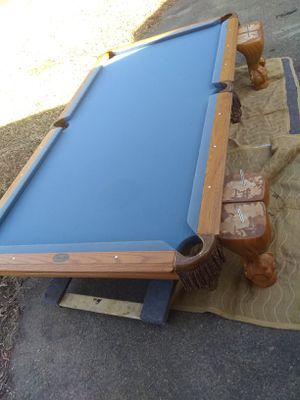 Leisure Bay 8' table for Sale in Portsmouth, VA