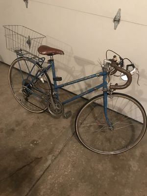 Vintage Chicago Schwinn 10 Speed Bike for Sale in Hudson, OH