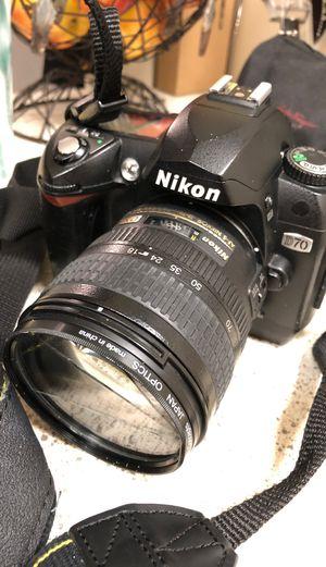 Nikon D70 broken lense for Sale in Bellevue, WA