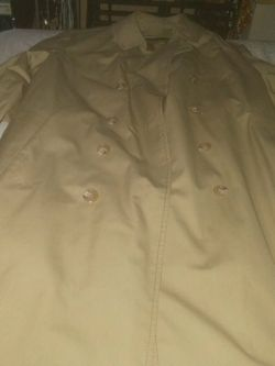London Fog Trench coat. for Sale in Chicago,  IL