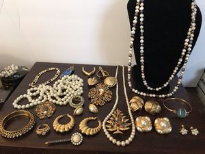 Large rhinestone gold tone pin $25, pearl earrings $10 each, goldtone chain bracelet $15 all the rest is on next ad for Sale in Englewood, CO
