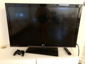 "LG TV 47"" for Sale in Denver, CO"