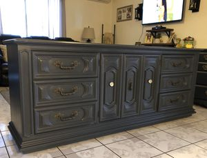 Beautiful Thomasville Dresser/ Buffet/ Console for Sale in Chino, CA
