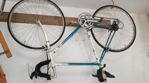 Beautiful Giant road bike 27 for Sale in Madisonville, LA