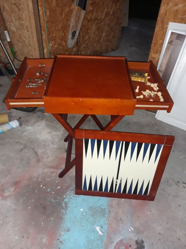 Chess and backgammon collapsible tray table