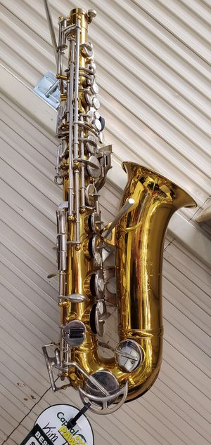 King Cleveland 613 student saxophone with case for Sale in Clinton, MS