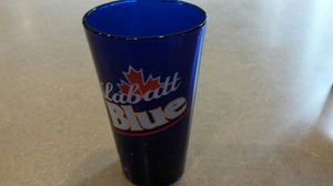 Pint glass Labatt blue collectible for Sale in Freehold, NJ