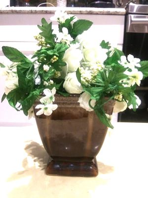 brown vase with artificial flowers for Sale in NEW PRT RCHY, FL