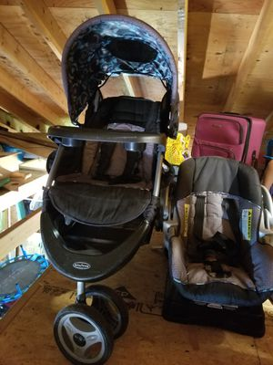 Baby Trend stroller with car seat and base. for Sale in Wyoming, PA