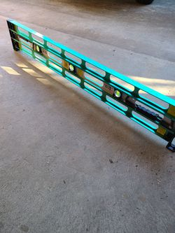 level estendable 8 inch 4 ft to 10 ft for Sale in San Mateo,  CA
