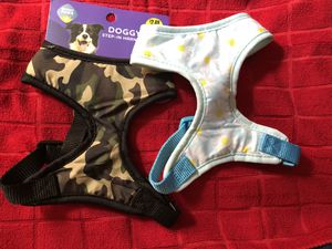Camo and floral dog harness for Sale in Montebello, CA