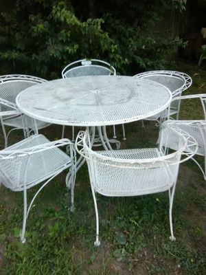 Wrought iron patio table and 6 chairs for Sale in Columbus, OH