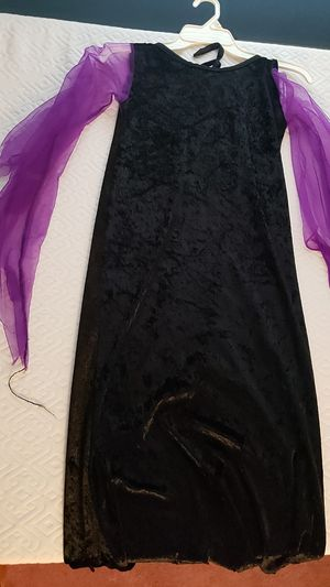 Holloween witch costume for Sale in South Attleboro, MA
