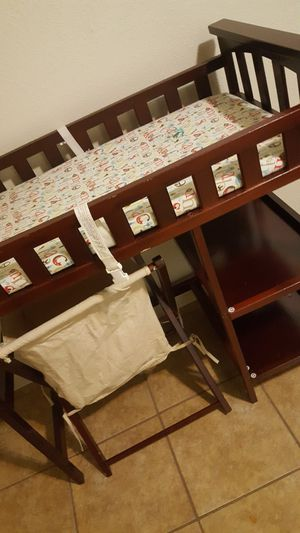 changing table mesa para cambiar bebe for Sale in Houston, TX
