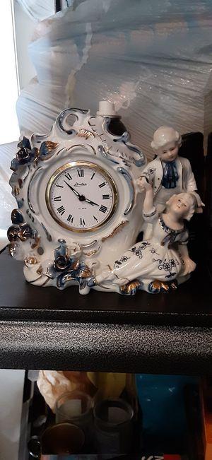 ANTIQUE PORCELAIN CLOCK WIND UP $15 for Sale in Monterey Park, CA